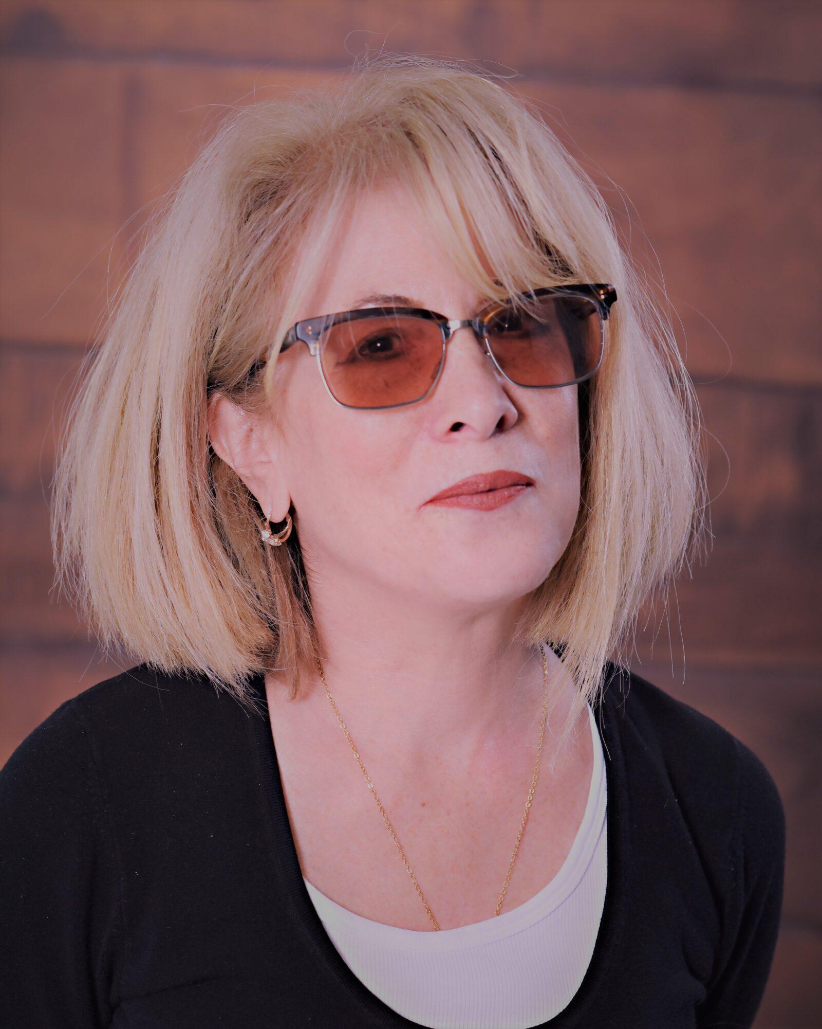 Carolyn Russell[2]